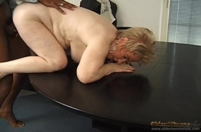sex Mature chinese office